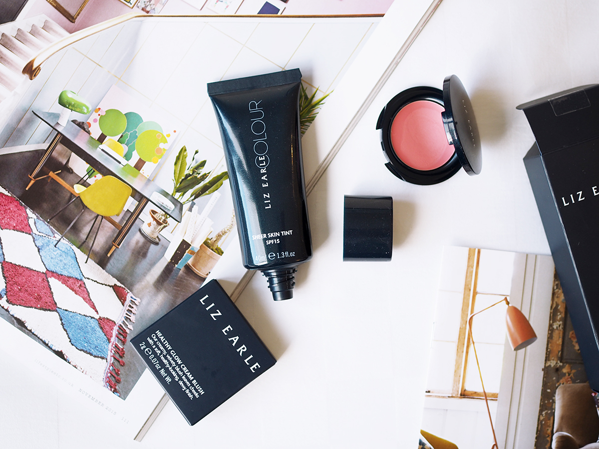 Liz Earle Sheer Skin Tint Make-up / Foxycheeks