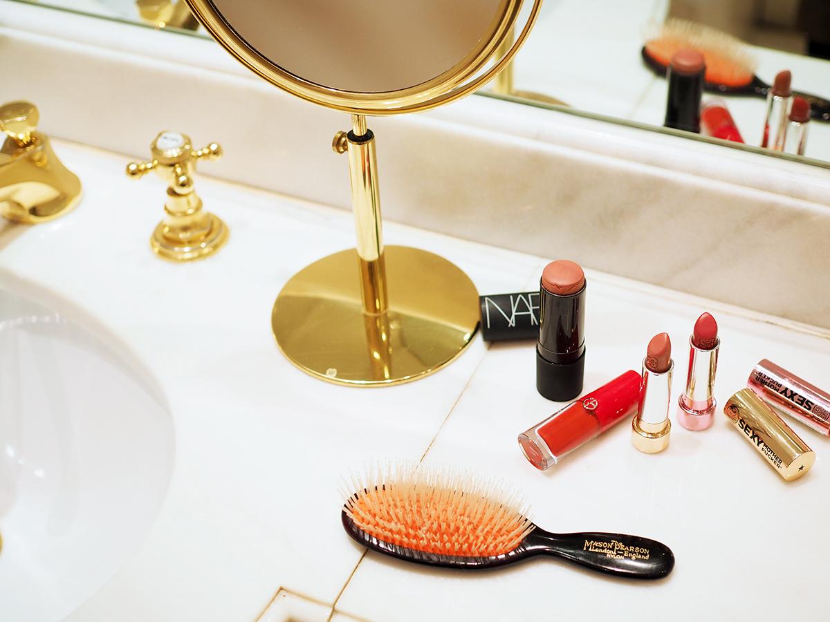 Make-up Bag November / Hanna Schumi Foxycheeks