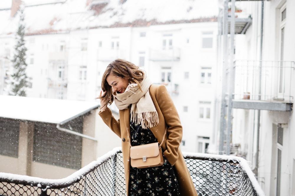 First Snow / Foxycheeks.com Hanna Schumi