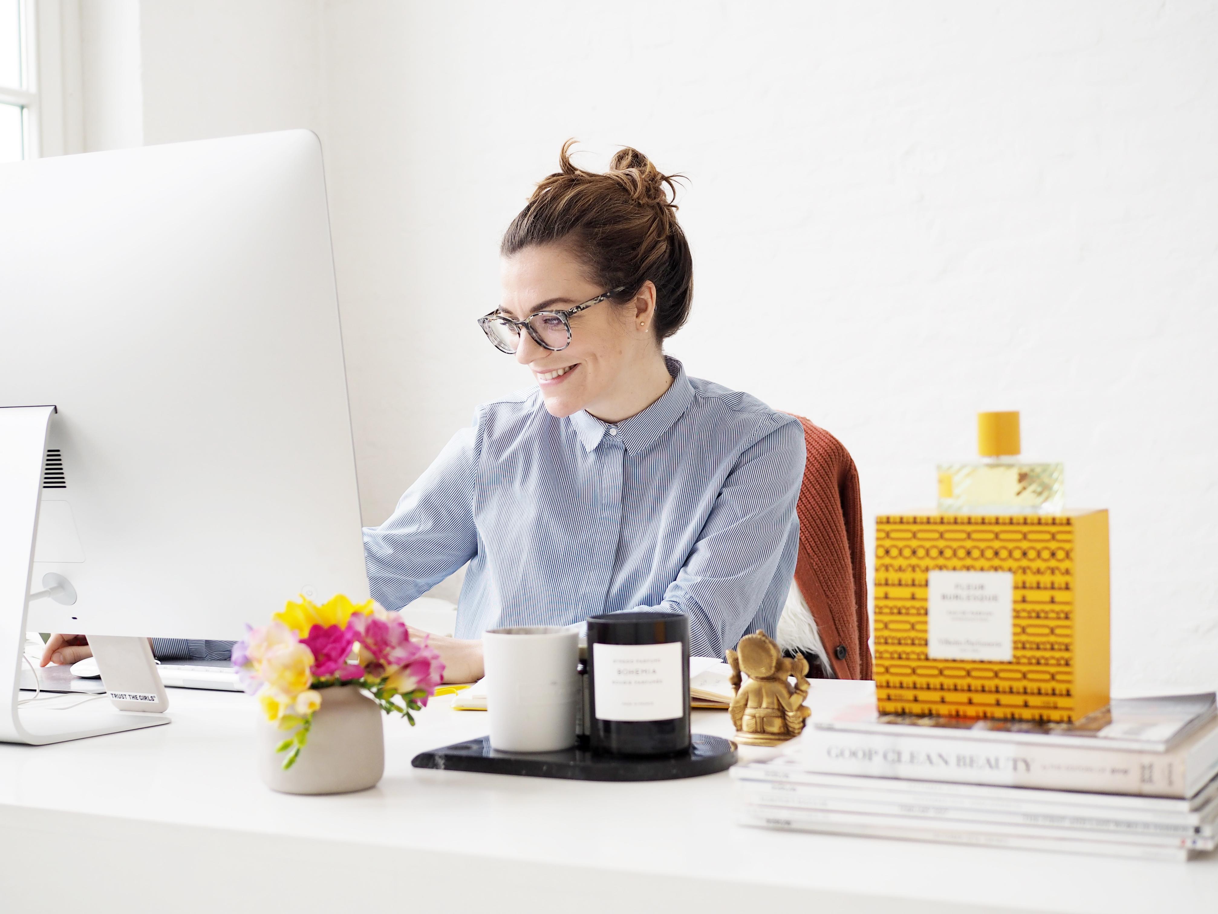 SALUT Communications Blogger Online Tutorial / Foxycheeks Hanna Schumi