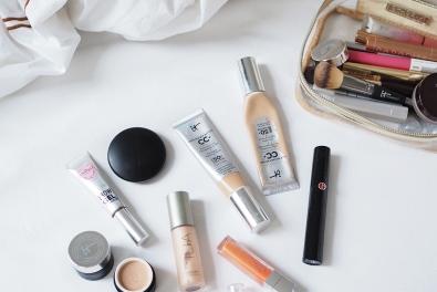 Einfaches Make-up für den Tag