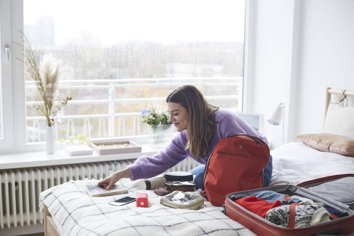 Hanna Schumi Travel Packen Koffer