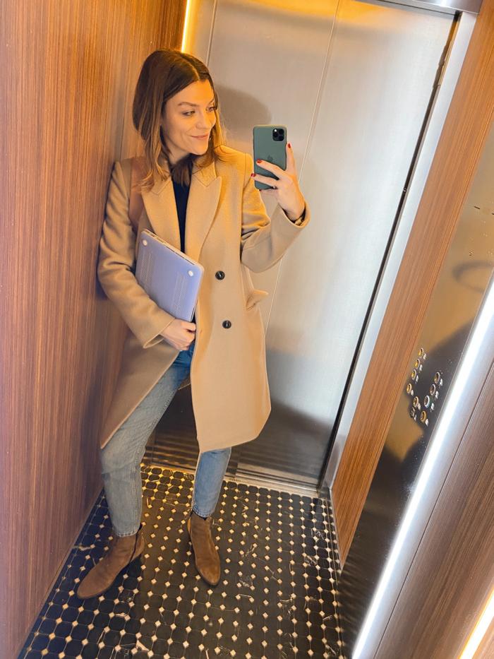 Hanna Schumi Closed Mantel