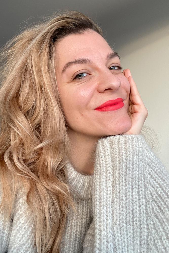 Hanna Schumi Red Lipstick